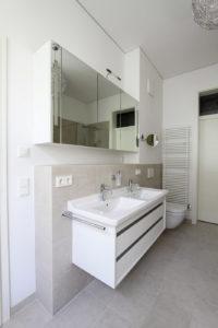 2012-1101-re-ha-062-spiegelschrank-02-02